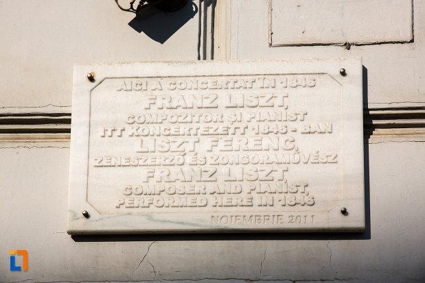 placa-inscriptionata-de-pe-hotel-ardealul-din-arad-judetul-arad.jpg
