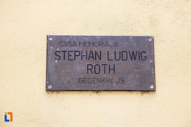 placa-memoriala-de-la-casa-memoriala-stephan-ludwig-roth-din-medias-judetul-sibiu.jpg