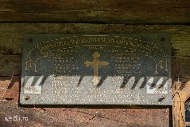 placuta-comemorativa-de-la-biserica-de-lemn-din-hoteni-judetul-maramures.jpg