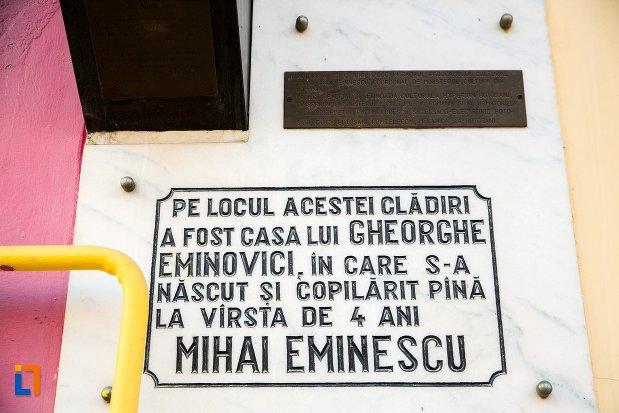 placuta-comemorativa-de-la-casa-lui-gheorghe-eminovici-casa-natala-a-lui-mihai-eminescu-din-botosani-judetul-botosani.jpg