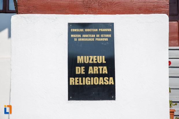 placuta-cu-muzeul-de-arta-religioasa-scoala-de-misionare-regina-maria-din-valenii-de-munte-judetul-prahova.jpg
