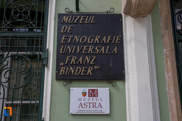 placuta-cu-muzeul-de-etnogtrafie-universala-franz-binder-din-sibiu-judetul-sibiu.jpg