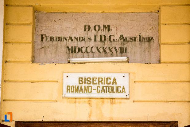 placuta-de-la-biserica-romano-catolica-din-baile-herculane-judetul-caras-severin.jpg