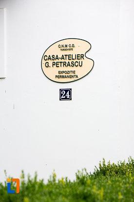 placuta-de-la-casa-atelier-g-petrascu-din-targoviste-judetul-dambovita.jpg