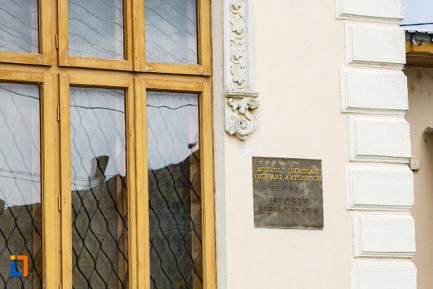 placuta-de-la-casa-azi-sectie-a-muzeului-judetean-din-giurgiu-judetul-giurgiu.jpg