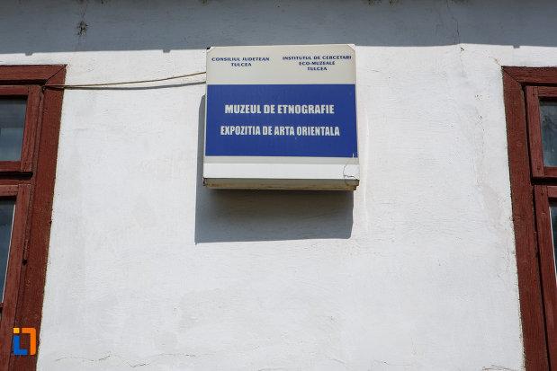 placuta-de-la-casa-panaghia-expozitia-de-arta-orientala-din-babadag-judetul-tulcea.jpg