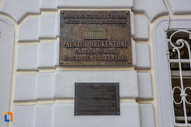 placuta-de-la-palatul-brukenthal-azi-muzeul-national-brukenthal-din-sibiu-judetul-sibiu.jpg