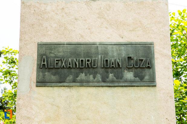 placuta-de-la-statuia-lui-alexandru-ioan-cuza-din-craiova-judetul-dolj.jpg