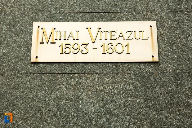placuta-de-la-statuia-lui-mihai-viteazu-din-craiova-judetul-dolj.jpg