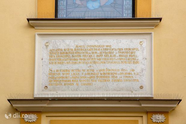 placuta-de-pe-catedrala-greco-catolica-sf-nicolae-din-oradea-judetul-bihor.jpg