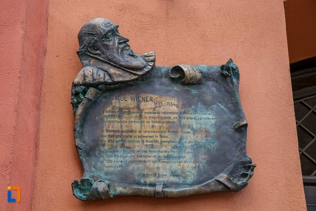 placuta-in-stil-medieval-de-la-zidul-de-fortificatie-incinta-i-din-sibiu-judetul-sibiu.jpg