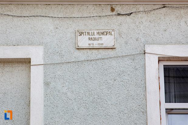 placuta-informativa-de-la-spitalul-1879-din-radauti-judetul-suceava.jpg