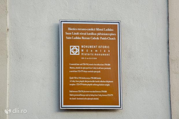 placuta-informativa-de-pe-biserica-romano-catoloca-sf-ladislau-din-oradea-judetul-bihor.jpg