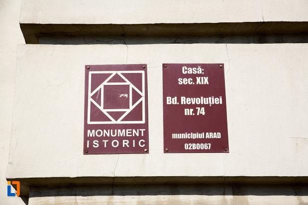 placute-informative-de-pe-casa-din-sex-xix-bd-revolutiei-din-arad-judetul-arad.jpg