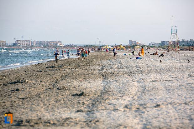 plaja-turistica-din-orasul-navodari-judetul-constanta.jpg