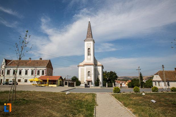 platou-central-cu-biserica-greco-catolica-buna-vestire-din-miercurea-sibiului-judetul-sibiu.jpg