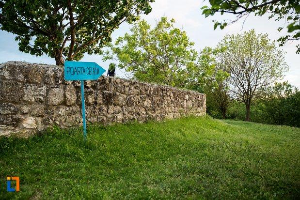 poarta-de-la-asezarea-romana-sucidava-din-corabia-judetul-olt.jpg