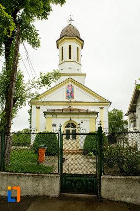 poarta-de-la-biserica-sf-apostoli-din-bailesti-judetul-dolj.jpg