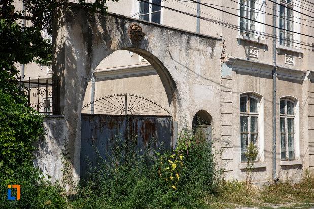 poarta-de-la-casa-lichiardopol-1870-din-tulcea-judetul-tulcea.jpg