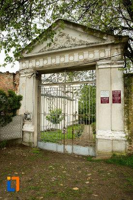 poarta-de-la-manastirea-segarcea-judetul-dambovita.jpg