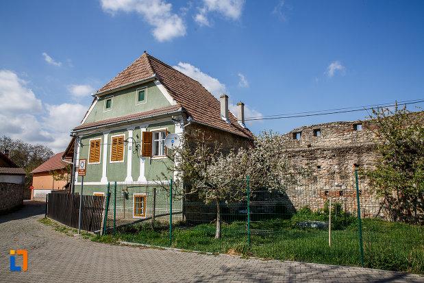 poarta-de-nord-a-cetatii-din-sebes-judetul-alba-parte-a-fortificatiei-medievale.jpg
