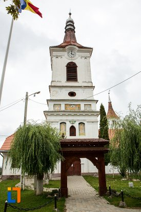 poarta-din-ansamblul-bisericii-sf-adormire-a-maicii-domnului-din-turches-sacele-judetul-brasov.jpg
