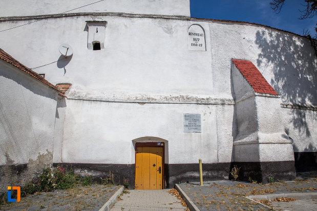 poarta-din-lemn-de-la-biserica-evanghelica-fortificata-1783-din-miercurea-sibiului-judetul-sibiu.jpg