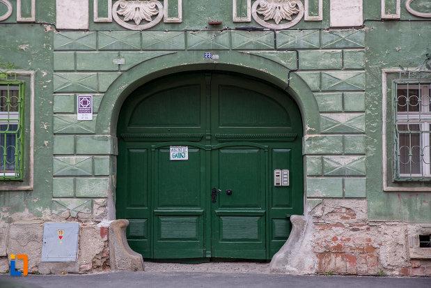 poarta-din-lemn-verde-casa-din-str-tipografilor-nr-23-din-sibiu-judetul-sibiu.jpg