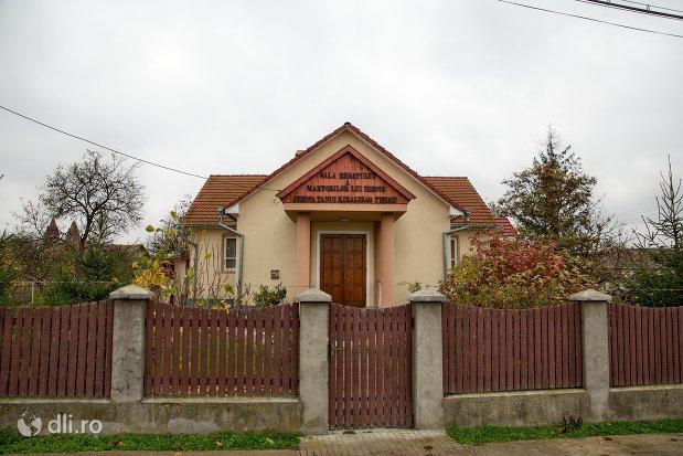 poarta-spre-sala-regatului-martorilor-lui-iehova-din-acas-judetul-satu-mare.jpg