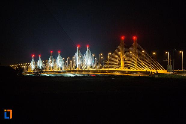podul-din-calafat-judetul-dolj-vazut-noaptea.jpg