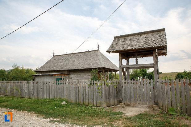 portita-din-lemn-de-la-biserica-de-lemn-cuvioasa-paraschiva-1782-din-videle-judetul-teleorman.jpg