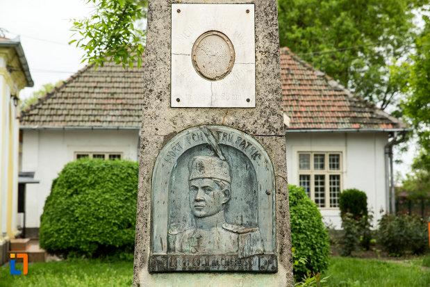 portret-monumentul-locotenentului-gogu-bechererescu-din-bailesti-judetul-dolj.jpg