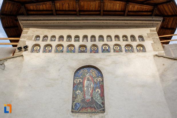 portretele-de-la-biserica-invierea-domnului-vascresenia-1551-din-suceava-judetul-suceava.jpg