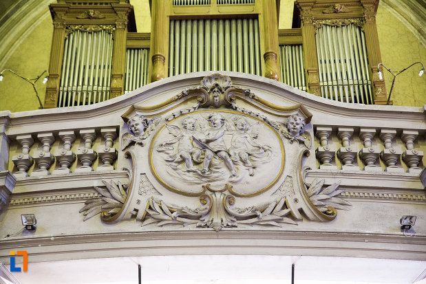 poza-apropiata-cu-orga-de-la-catedrala-romano-catolica-din-arad-judetul-arad.jpg