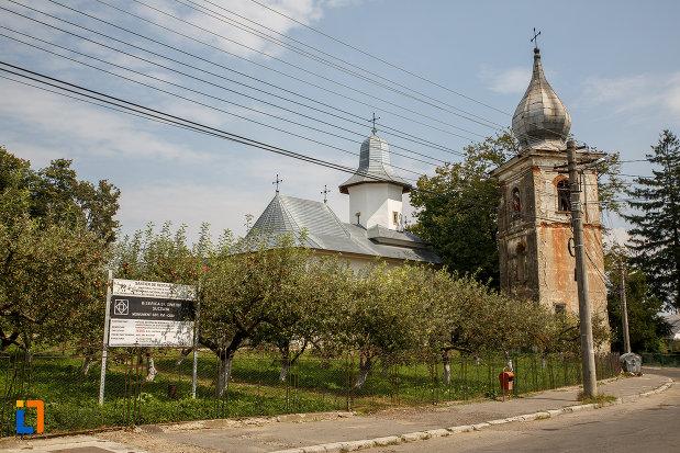 poza-cu-ansamblul-biserica-armeneasca-turnu-rosu-din-suceava-judetul-suceava.jpg