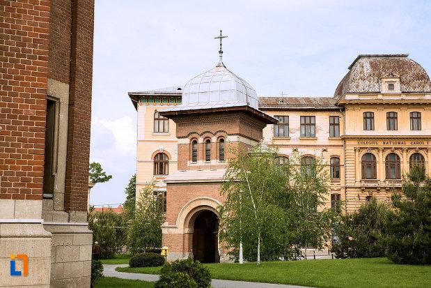 poza-cu-ansamblul-bisericii-sf-treime-din-craiova-judetul-dolj-2.jpg