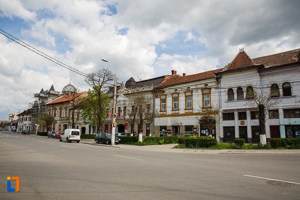poza-cu-ansamblul-urban-piata-libertatii-din-hunedoara-judetul-hunedoara.jpg