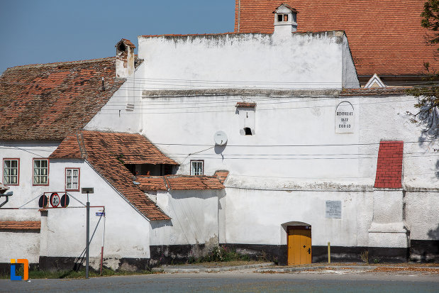 poza-cu-biserica-evanghelica-fortificata-1783-din-miercurea-sibiului-judetul-sibiu.jpg
