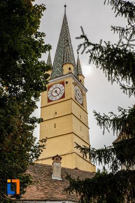 poza-cu-biserica-evanghelica-sf-margareta-1488-din-medias-judetul-sibiu.jpg