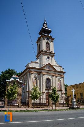 poza-cu-biserica-ortodoxa-nasterea-maicii-domnului-din-sannicolau-mare-judetul-timis.jpg