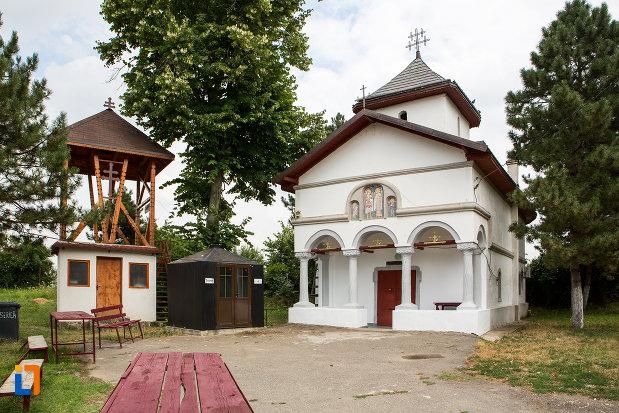 poza-cu-biserica-sf-arhagheli-mihail-si-gavril-din-mihailesti-judetul-giurgiu.jpg