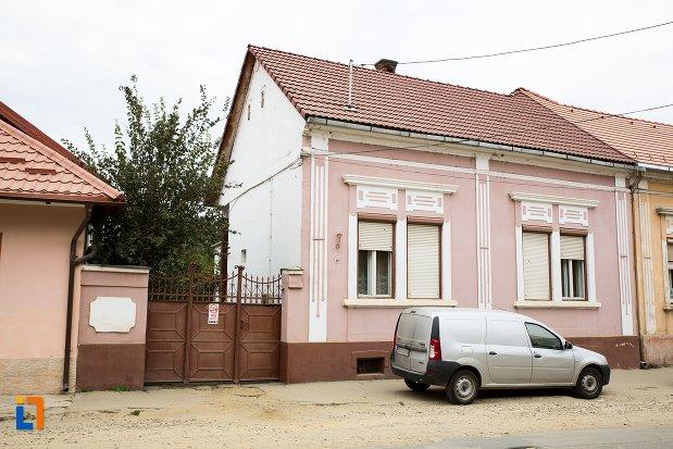 poza-cu-casa-str-nicolae-balcescu-nr-47-din-fagaras-judetul-brasov.jpg