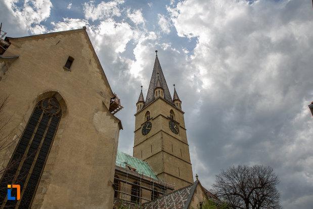 poza-cu-catedrala-evanghelica-sf-maria-din-sibiu-judetul-sibiu.jpg