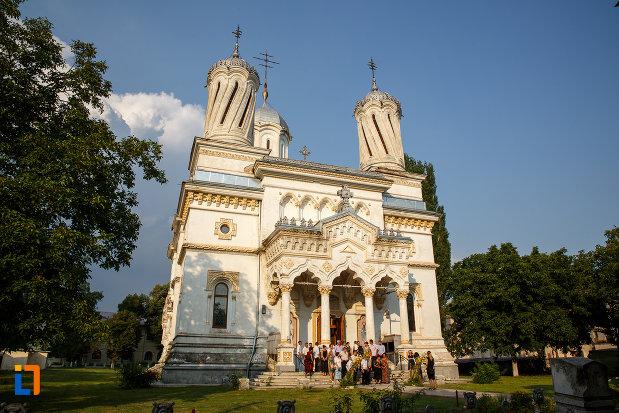 poza-cu-catedrala-ortodoxa-sf-haralambie-din-turnu-magurele-judetul-teleorman.jpg