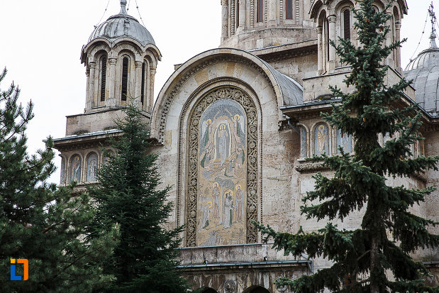 poza-cu-catedrala-sf-imparati-constantin-si-elena-din-hunedoara-judetul-hunedoara.jpg