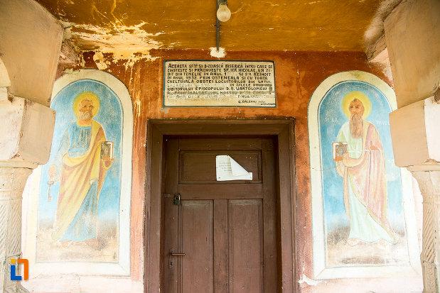 poza-cu-imagini-de-la-biserica-sf-nicolae-din-lazaresti-judetul-gorj.jpg