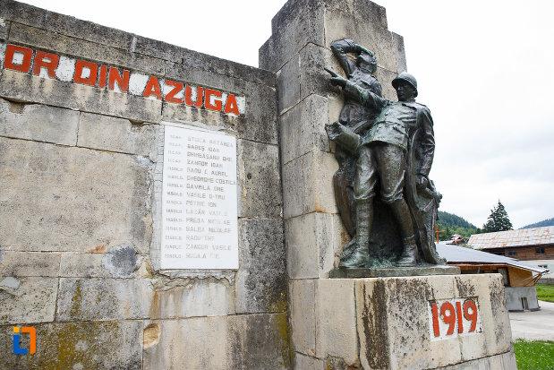 poza-cu-monumentul-eroilor-din-azuga-judetul-prahova.jpg