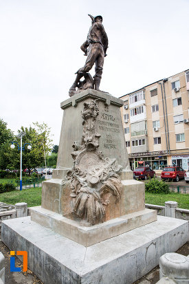 poza-cu-monumentul-eroilor-din-bolintin-vale-judetul-giurgiu.jpg