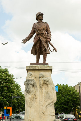poza-cu-monumentul-eroilor-din-calafat-judetul-dolj.jpg