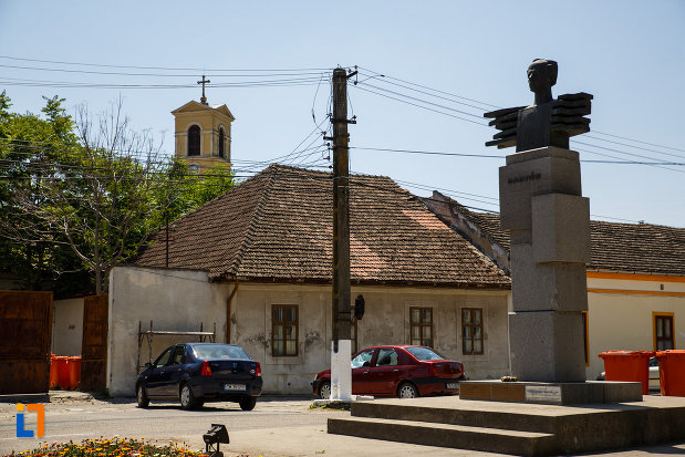 poza-cu-monumentul-lui-bartok-bela-din-sannicolau-mare-judetul-timis.jpg